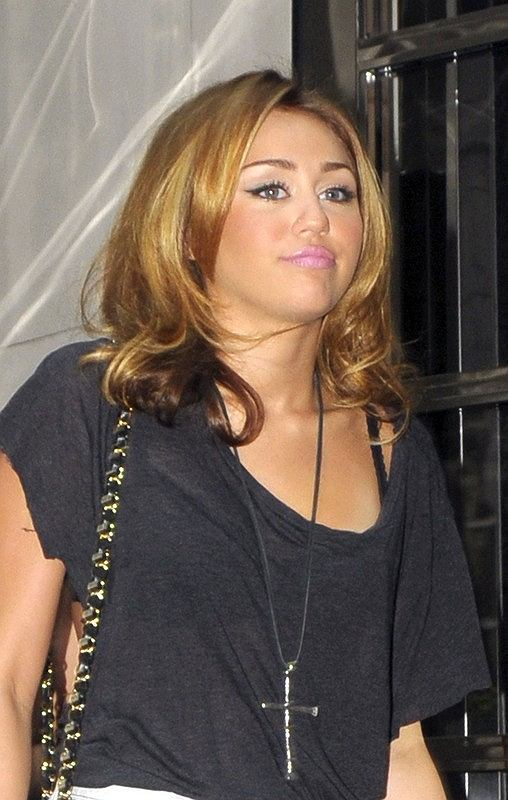 Miley cyrus orgia