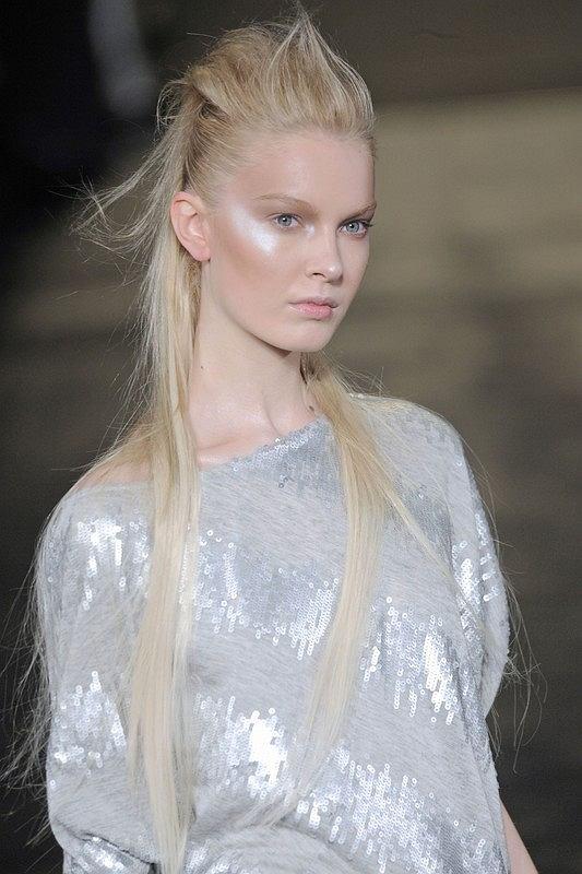 Irokez - karnawałowa fryzura