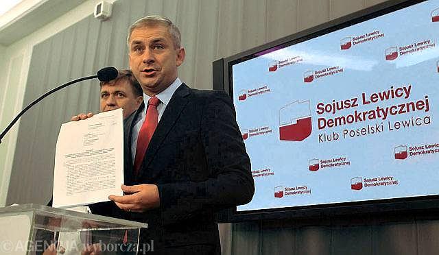Sławomir Kopyciński i Grzegorz Napieralski podczas konferencji prasowej na temat Komisji Majątkowej.