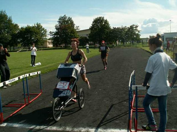 XXVII Półmaraton Szlakiem Walk nad Bzurą, Ewa Witek-Piotrowska, fot. Antoni Trawiński
