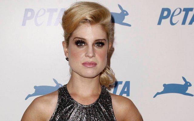 Kelly Osbourne ostatnio bardzo schudła, niestety jej twarz nabrała bardziej męskiego wyglądu.