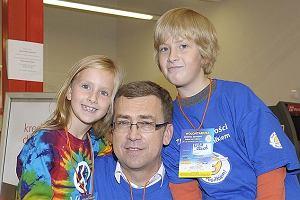 W weekend odbyła się w supermarketach zbiórka żywności w ramach akcji Podziel się posiłkiem. Maciej Orłoś zabrał ze sobą dwójkę najmłodszych dzieci: synka Kubę i córkę Melanię.