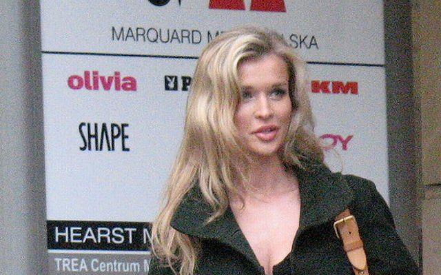 Joanna Krupa dzieli czas i karierę pomiędzy Polskę i USA. Kilka dni temu modelka odwiedziła siedzibę wydawnictwa, które wydaje
