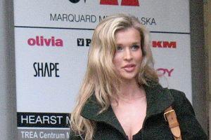 Joanna Krupa dzieli czas i karierę pomiędzy Polskę i USA. Kilka dni temu modelka odwiedziła siedzibę wydawnictwa, które wydaje Cosmopolitan, Playboya, czy CKM.