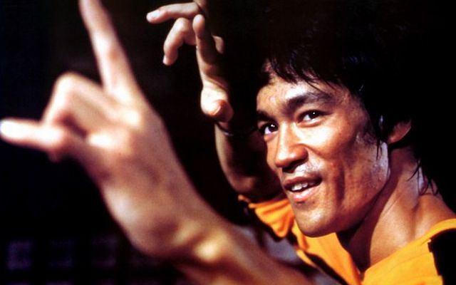Zdjęcie numer 2 w galerii - Bruce Lee i inni. Jak kino z Hongkongu otworzyło drzwi do Hollywood? Kopniakiem z półobrotu