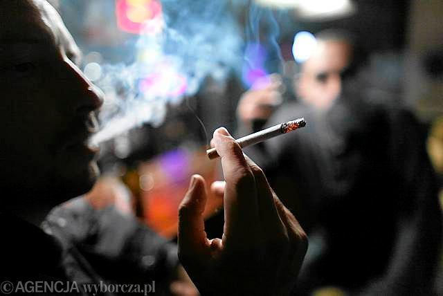 Tytoń pali blisko 10 mln Polaków. Ponad 40 tys. rocznie umiera z tego powodu przedwcześnie (35-69 lat)