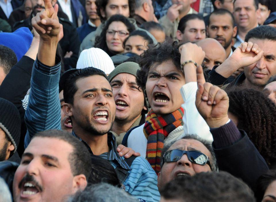 W Tunezji rozpoczęła się arabska wiosna i tam też wciąż największa jest społeczna frustracja