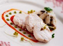 Pieczona pierś z kurczaka z sosem z zielonej sałaty i sosem z czerwonej papryki - ugotuj