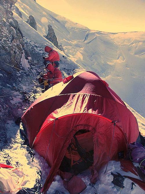 Przebywanie na wysokości, powyżej 5500 m, jest dla organizmu wyniszczające