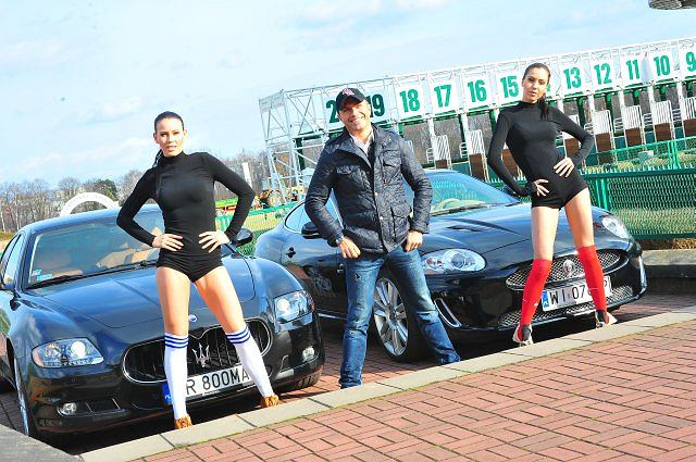 Jaguar XKR vs. Maserati Quatroporte - gorąca sesja na warszawskim Służewcu