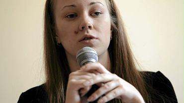 Córka Zmicera Bandarenki podczas konferencji prasowej nt. sytuacji na Białorusi w styczniu 2011 r. w Warszawie
