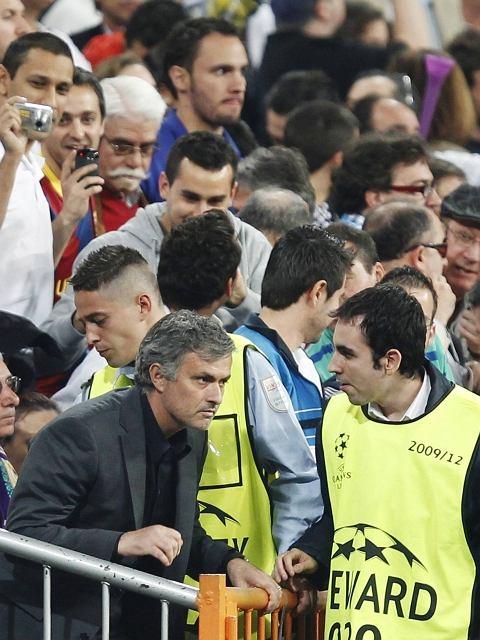 Jose Mourinho na trybunach. Real - Barcelona w Lidze Mistrzów
