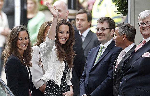 Dziś najważniejszy dzień Kate Middleton - wychodzi za księcia Williama. Cały świat obserwuje jej poczynania tuż przed ślubem. Plotek prezentuje ostatnie zdjęcia przed ceremonią.