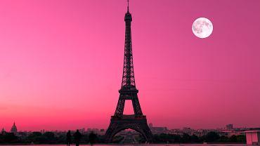 Wieża Eiffla.