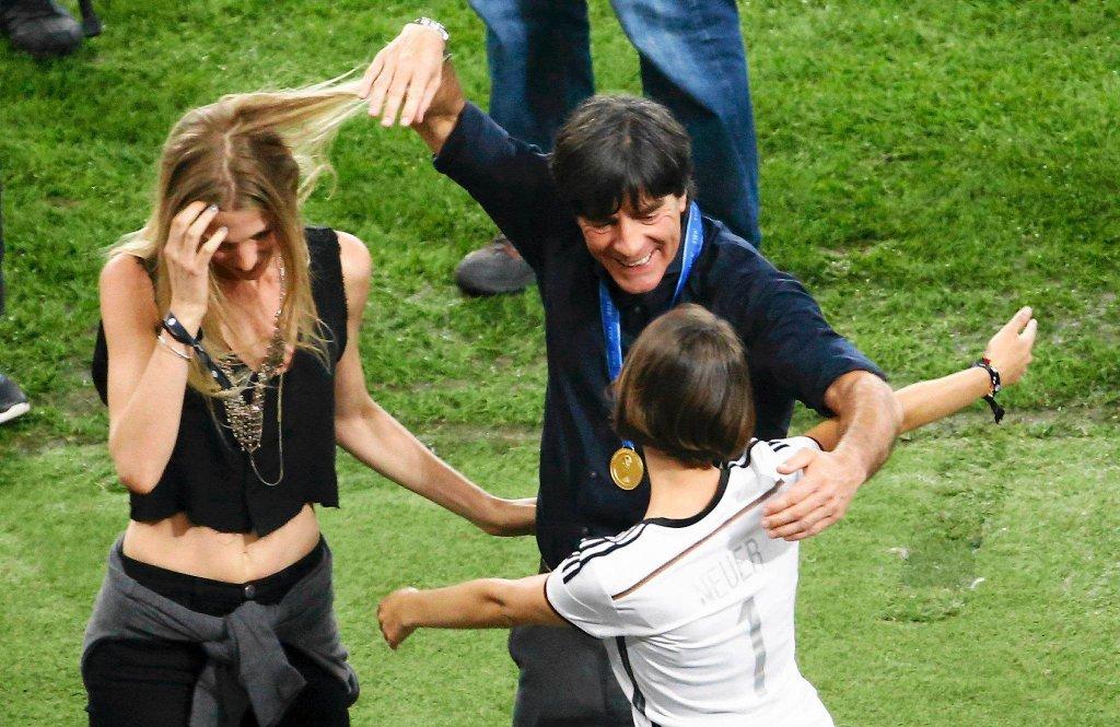 Joachim Loew cieszy się z rodziną