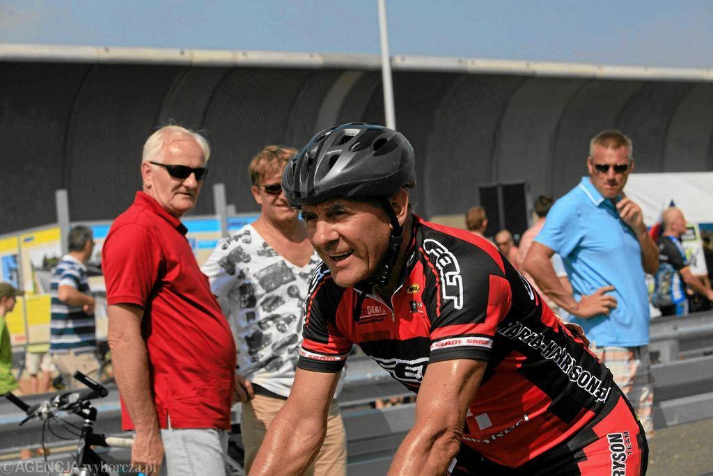 Ryszard Szurkowski podczas wyścigu w 2011 roku we Wrocławiu