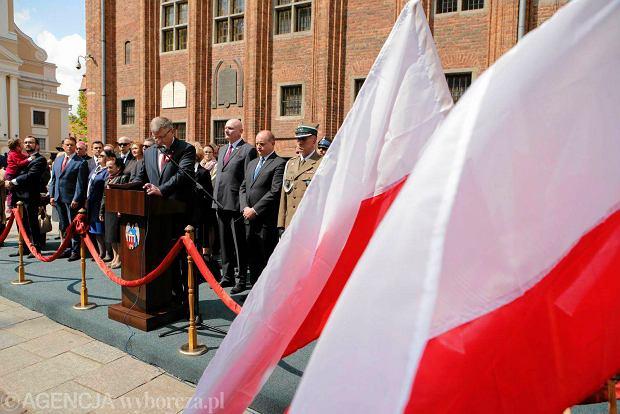 Obchody 225. rocznicy uchwalenia Konstytucji 3 Maja ZDJĘCIE DO WKŁADKI: DLOTO strony lokalne GW - Toruń
