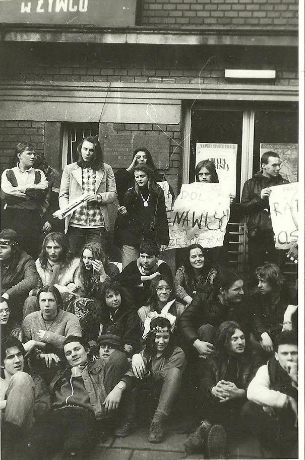 Zdjęcie numer 9 w galerii - Ponad ćwierć wieku temu do Żywca przyjechali hippisi z całej Polski [ARCHIWALNE ZDJĘCIA]