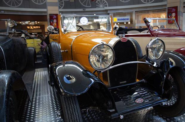Zdjęcie numer 0 w galerii - Kultowe modele samochodów Bugatti zjechały do Katowic [ZDJĘCIA]