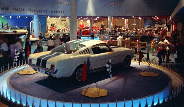Ford Mustang GT350 na salonie w Nowym Jorku - 1964 rok