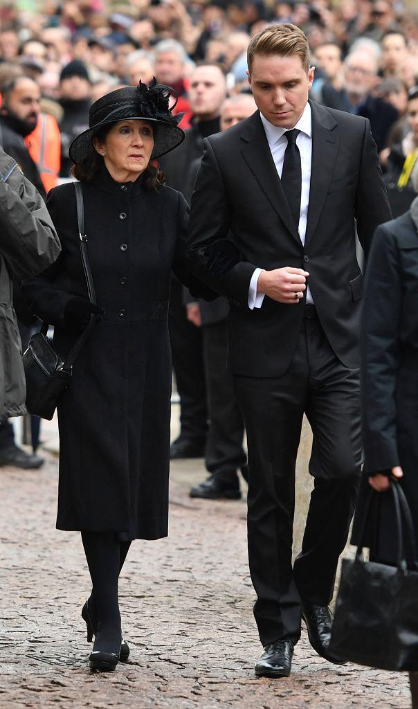 Pogrzeb Stephena Hawkinga. Na zdjęciu jego pierwsza żona Jane i syn pary - Timothy