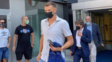 Edin Dżeko w Mediolanie. Transfer z AS Romy na ostatniej prostej. Źródło: Twitter