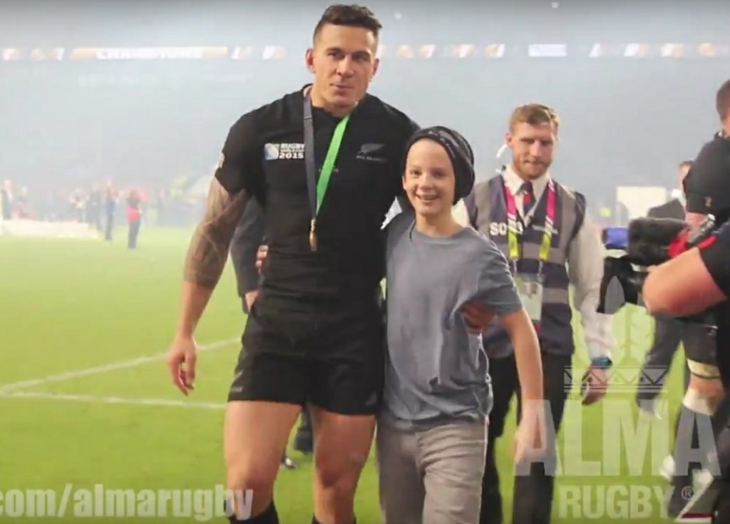 Sonny Bill Williams z małym kibicem