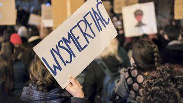 Poznań, 29 października. Manifestacja przeciwko wyrokowi Trybunalu Konstytucyjnego w sprawie aborcji