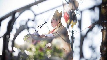 Abp Sławoj Leszek Głódź podczas mszy w Białymstoku
