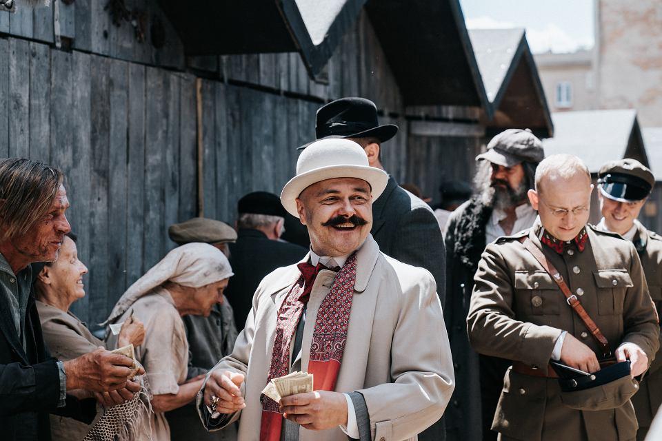 Arkadiusz Jakubik i Borys Szyc, serial 'KRÓL' - materiały promocyjne