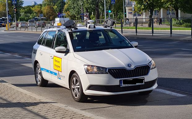 Tajemnicze auta z kamerami krążą po Warszawie. Upodobały sobie dwie dzielnice