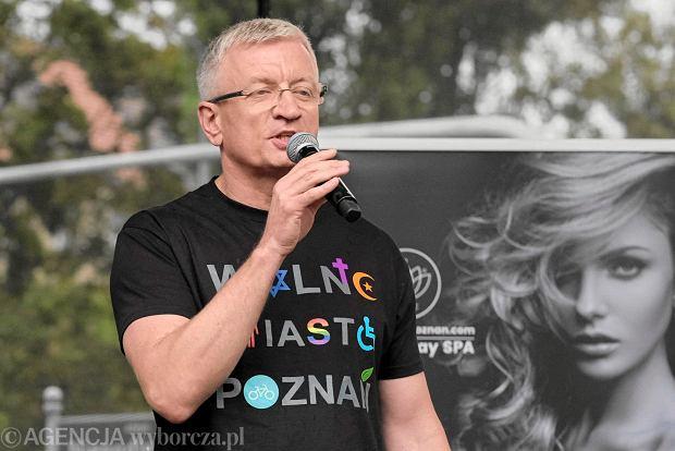 Prezydent miasta Jacek Jaśkowiak w koszulce 'Wolne Miasto Poznań' podczas Marszu Równości (Poznań Pride Week) 23 września 2017