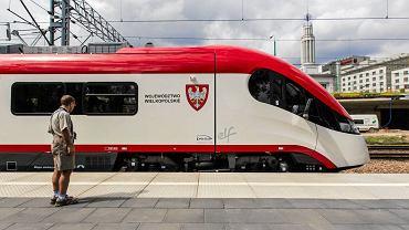 Elf - nowoczesny pociąg wyjedzie w grudniu na wielkopolskie trasy.
