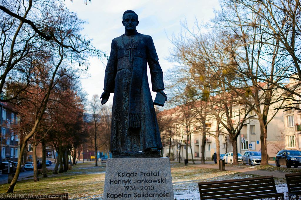 Gdańska kuria wysłała odpowiedź do kobiety, która oskarża ks. Jankowskiego. Znamy jej treść