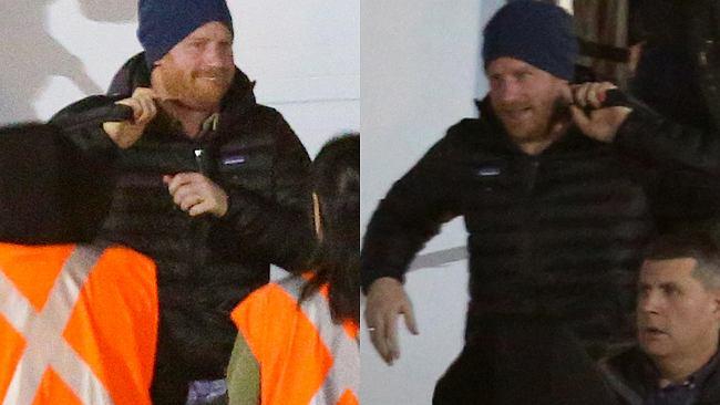 Harry już w Kanadzie z Meghan i Archiem. Paparazzi przyłapali go na lotnisku. Nie był tam sam