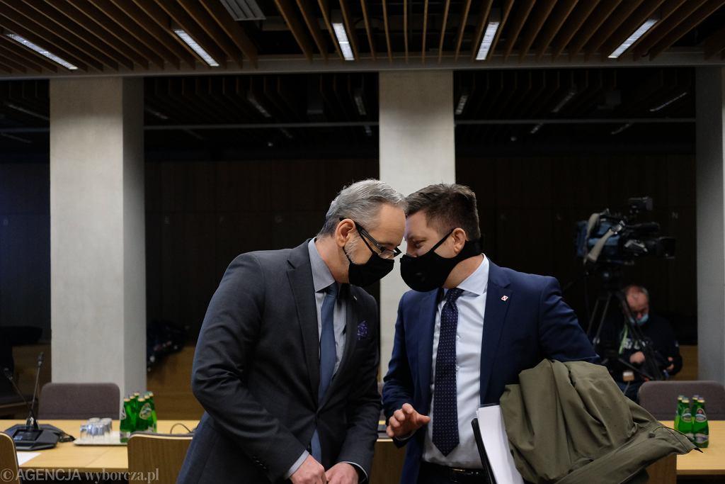 Posiedzenie Sejmowej Komisji Zdrowia w sprawie szczepień przeciw COVID-19 bez kolejki. Adam Niedzielski, Michał Dworczyk