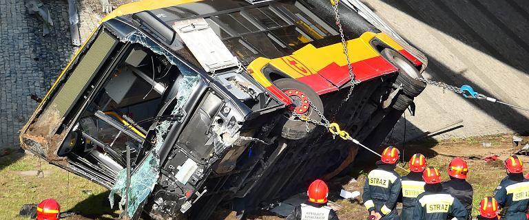 Dotarliśmy do akt ws. wypadku autobusu na moście Grota-Roweckiego