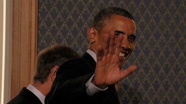 """Barack Obama po wspólnej konferencji z premierem Tuskiem w Kancelarii Premiera. - Polska i USA są zjednoczone w gotowości wspierania Ukraińców w kwestii integralności terytorialnej i bezpieczeństwa oraz wszelkiego rodzaju reform gospodarczych, które będą na Ukrainie potrzebne - zadeklarował Obama po spotkaniu z premierem Tuskiem. Podziękował mu też za """"outstanding leadership"""" - """"wybitne przywództwo"""" - m.in. w sprawie Ukrainy"""