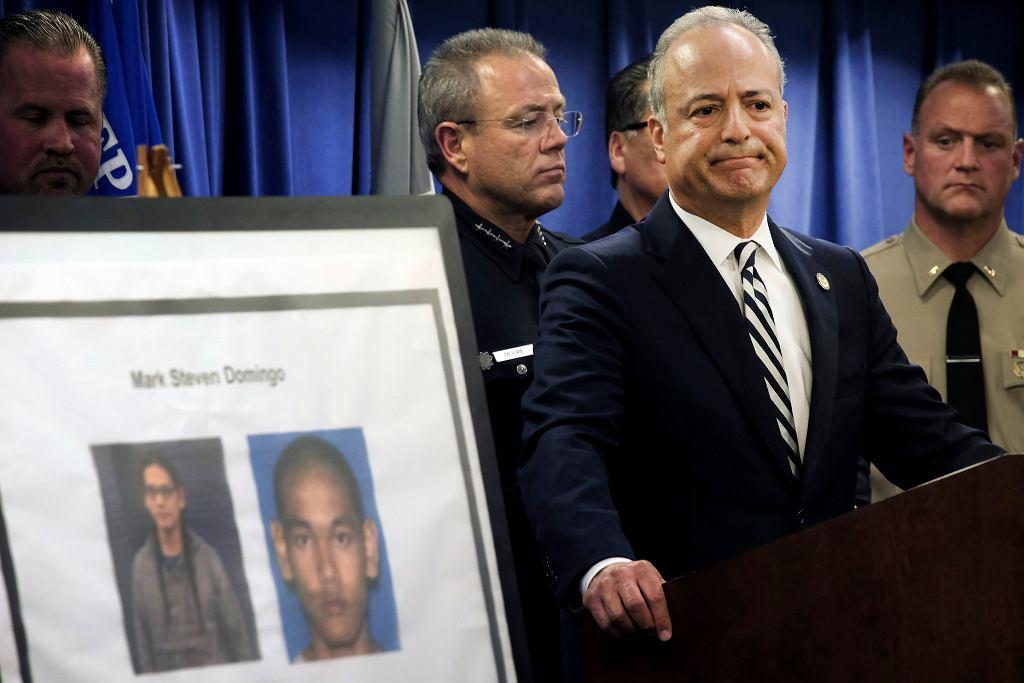 Konferencja amerykańskiej prokuratury, prezentowane są zdjęcia Marka Stevena Domingo