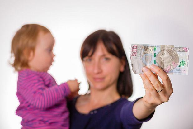 Zmiany w programie 500 plus. Teraz wszystkim rodzicom przysługuje 500 zł na dziecko