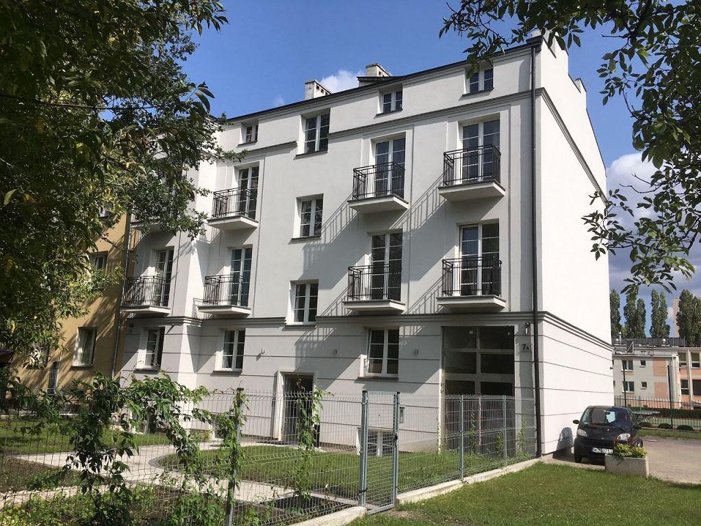 Budynek przy Gościeradowskiej 7a