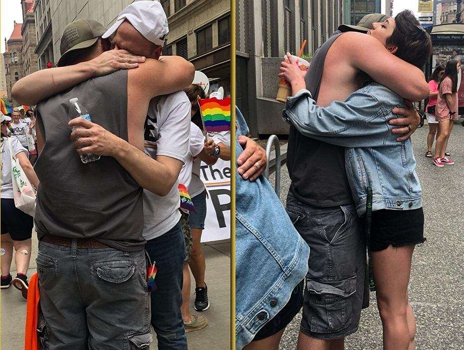 Howie Dittman rozdawał uściski na paradzie równości. Później zaapelował do rodziców osób LGBT