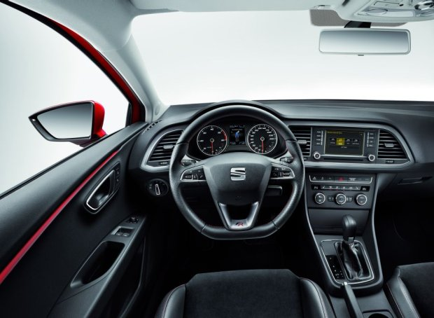 Seat Leon SC - wnętrze wersji FR