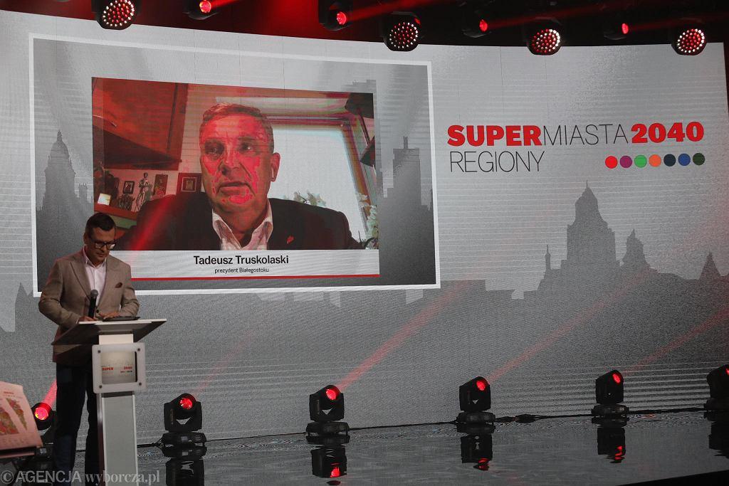 Tadeusz Truskolaski, prezydent Białegostoku podczas debaty na Gali Supermiasta