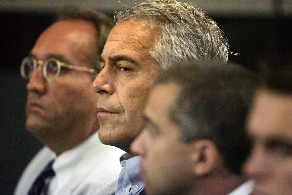 Jeffrey Epstein przed sądem w Palm Beach na Florydzie, 30 lipca 2008 r.