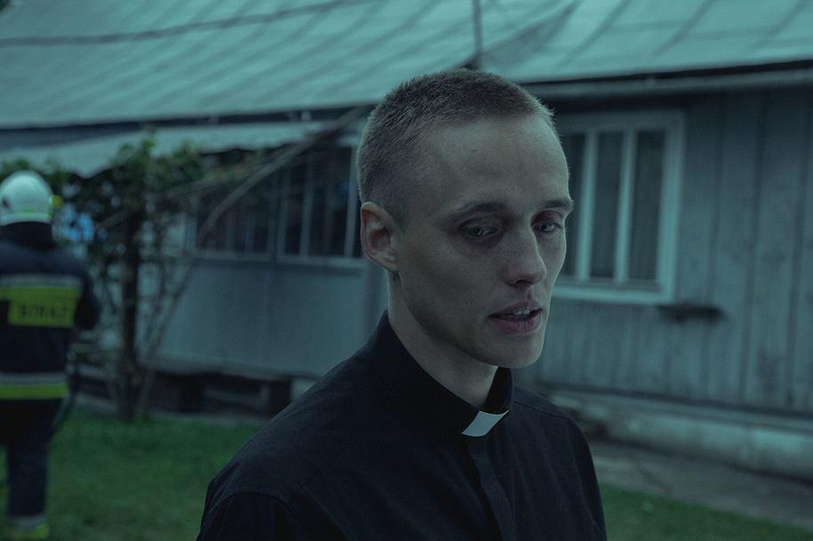 'Boże Ciało' Jana Komasy. Bartosz Bielenia jako Daniel