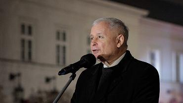 Uroczystość odsłonięcia pomnika Lecha Kaczyńskiego na pl. Piłsudskiego