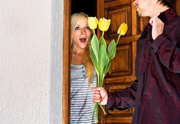 Savoir vivre: kwiaty wręczaj na początku randki