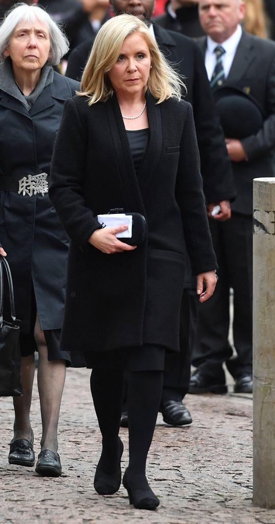 Lucy - córka Stephena Hawkinga na pogrzebie ojca