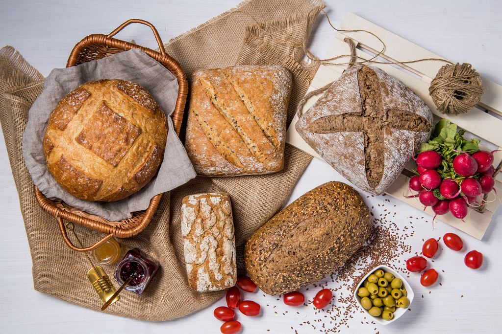 Światowy Dzień Chleba to moment, kiedy warto przyjrzeć się jego dziejom dokładniej. Ta naprawdę inspirująca opowieść rozpoczyna się około 10 tysięcy lat p.n.e.